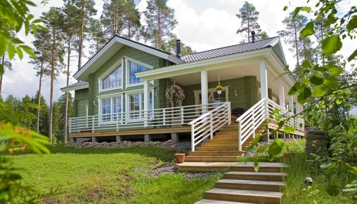 Финский одноэтажный дом из бруса с верандой