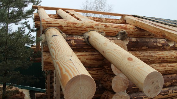 Для крыши деревянной бани из бревна